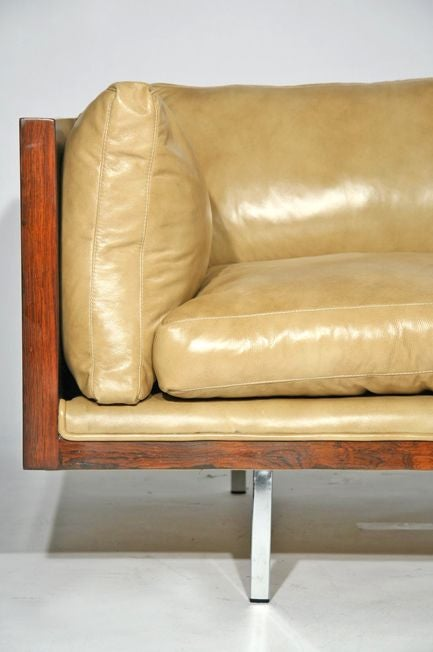 Rosewood case sofa by Milo Baughman in tan leather image 8
