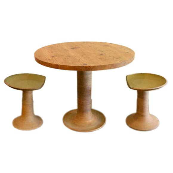 stoneware ceramic outdoor table and stools by raul coronel