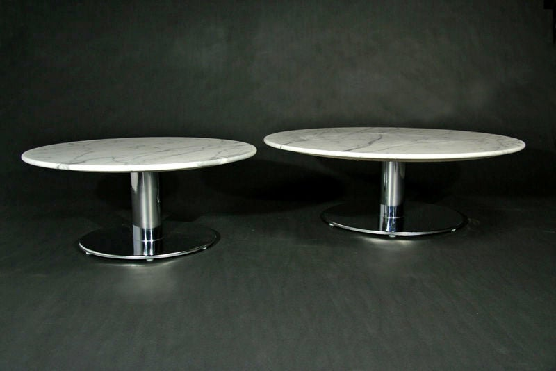 round marble and chrome base coffee table at 1stdibs. Black Bedroom Furniture Sets. Home Design Ideas