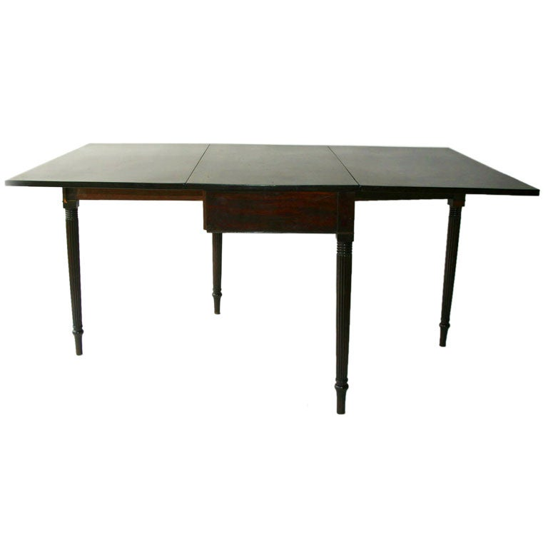 Federal mahogany drop leaf dining table at 1stdibs for Dining room tables drop leaf