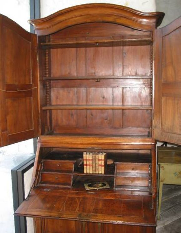 18th c bibliotheque desk in walnut rare drawers in front at 1stdibs - Bibliotheque 6 cases ...
