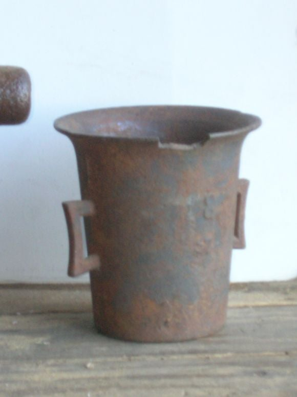 19th Century Iron Apothecary Mortars In Distressed Condition For Sale In Los Angeles, CA