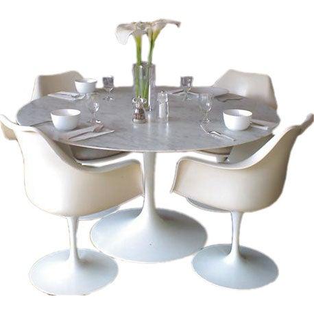 "Vintage Eero Saarinen ""Tulip"" Table and Four Chairs at 1stdibs"