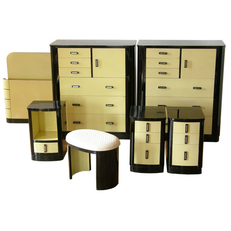 Simmons Furniture Company Bedroom Set At 1stdibs