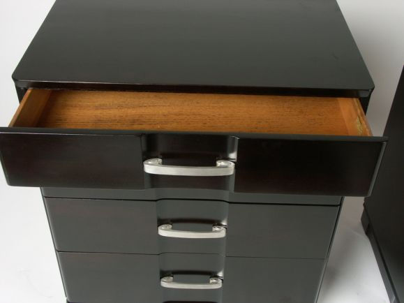 American Pair of 1940s Chests of Drawers with Silver Plated Scroll Hardware For Sale