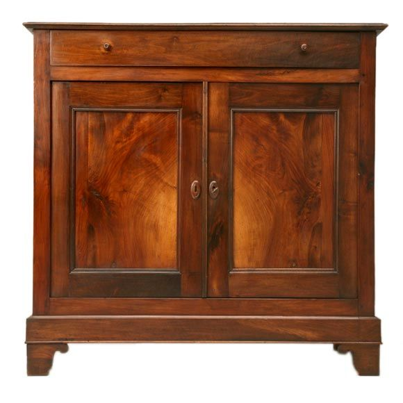 louis philippe book matched walnut buffet at 1stdibs. Black Bedroom Furniture Sets. Home Design Ideas
