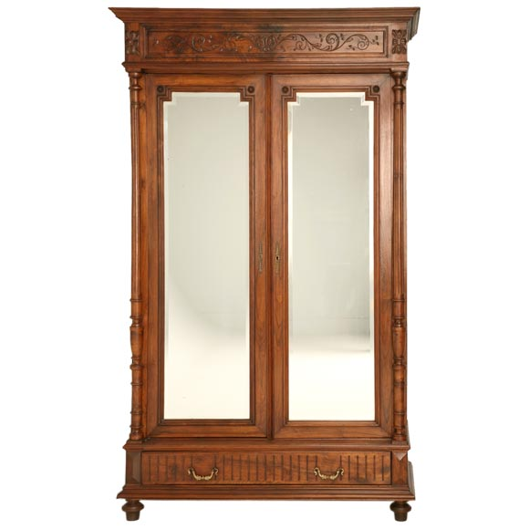 henri ii style walnut armoire at 1stdibs. Black Bedroom Furniture Sets. Home Design Ideas