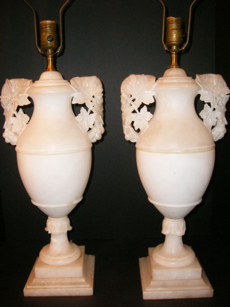 Large Pair of Alabaster Table Lamps In Good Condition For Sale In New York, NY