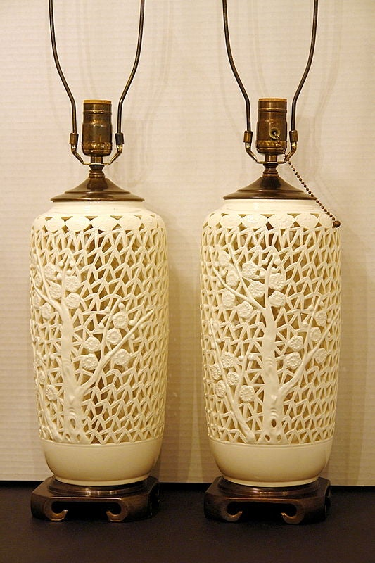 Blanc de chine table lamps at 1stdibs for Table de chine