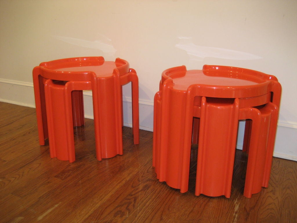Two sets of plastic nesting tables by kartel at 1stdibs - Set table plastique ...