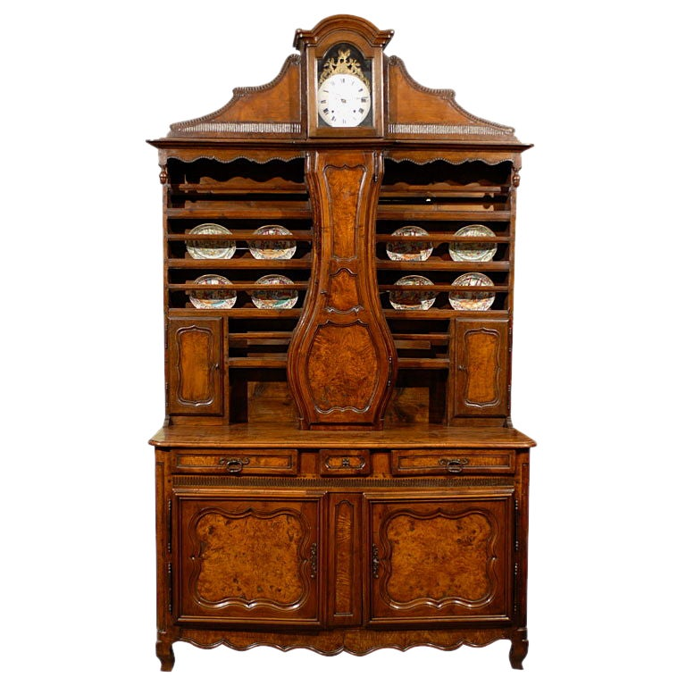 Louis XV Clock-mounted Vaisellier in Burled Wood, c. 1780