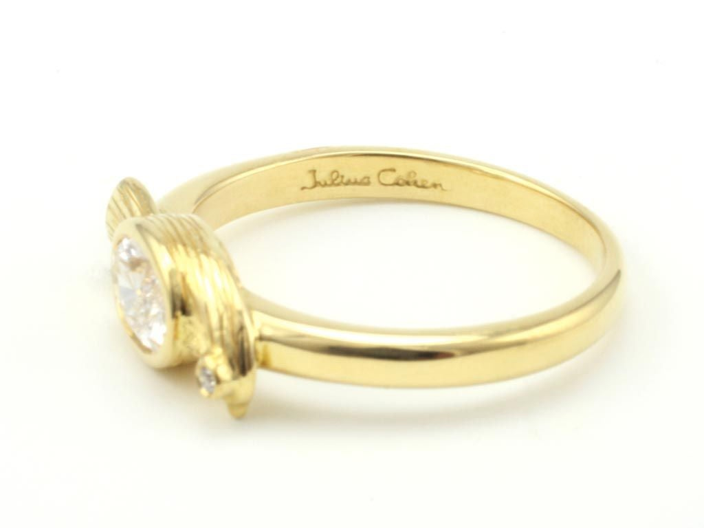 Diamond Gold Bird Ring In New Condition In Brooklyn, NY