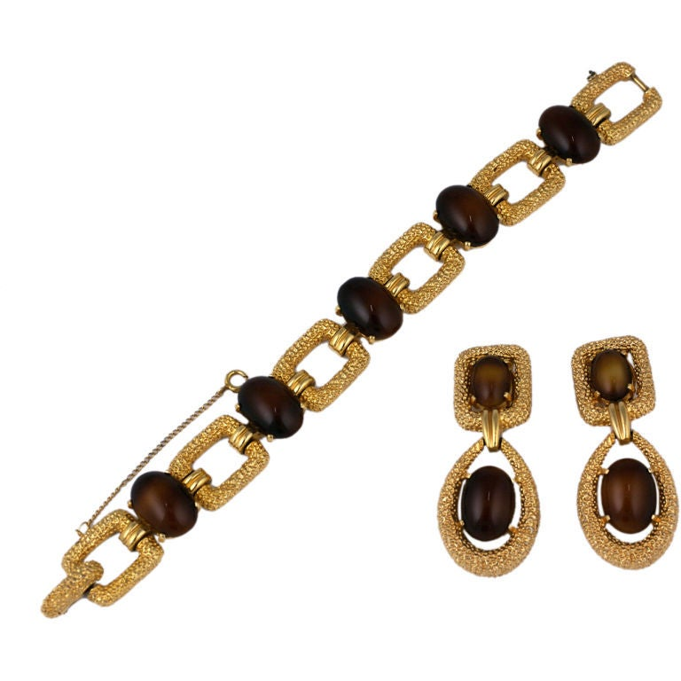 Jomaz Faux Tortoise and Textured Metal Demi Parure In Excellent Condition For Sale In Riverdale, NY