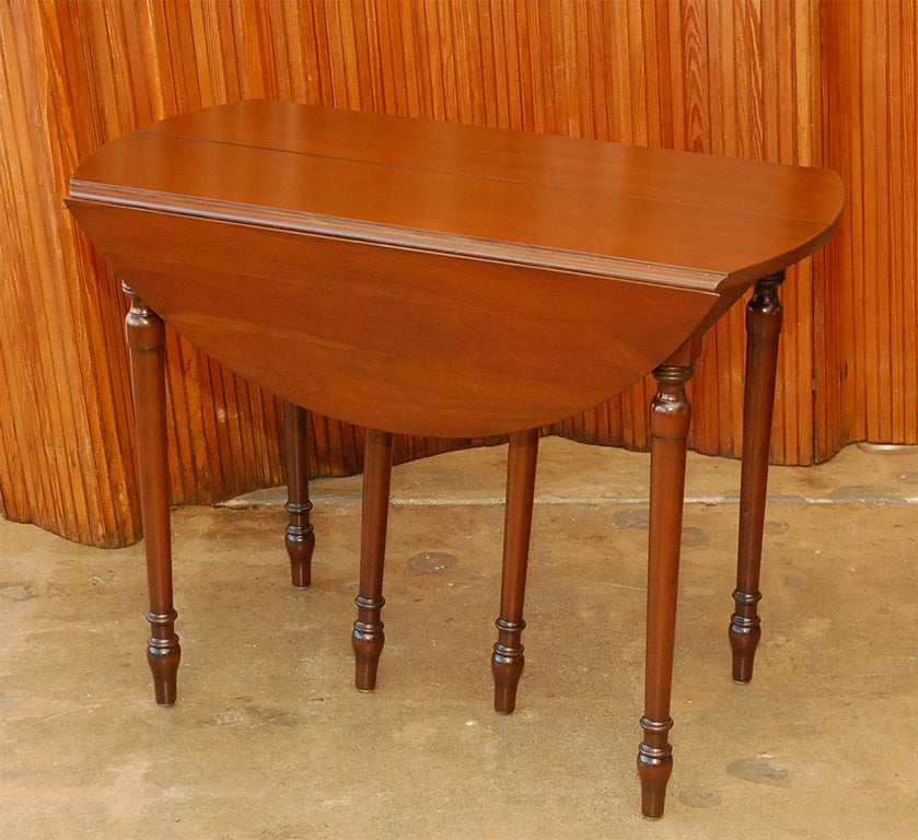Rare cherry dining table by pennsylvania house at 1stdibs for Cherry dining table