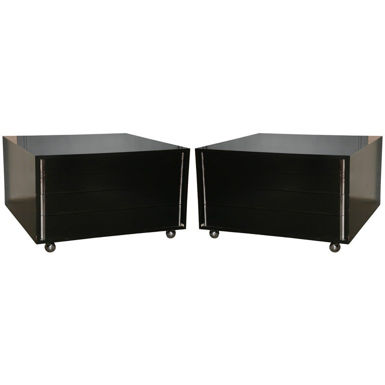 Dunbar Large Rolling Coffee Tables At 1stdibs