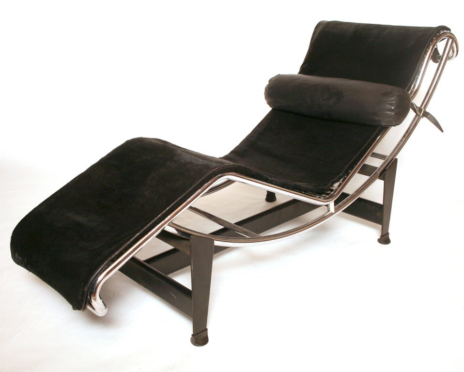 Lc 4 chaise longue at 1stdibs for Chaise longue manufacturers