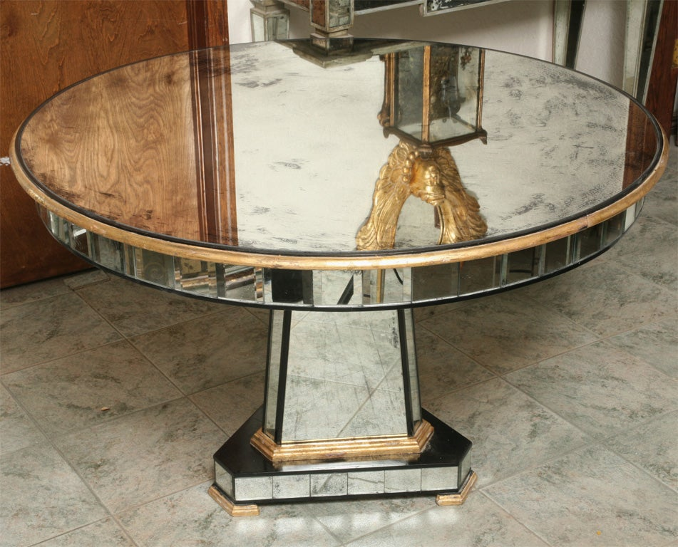 Superb Mirrored Centre Table Giltwood Edge with Black Trim For Sale 2