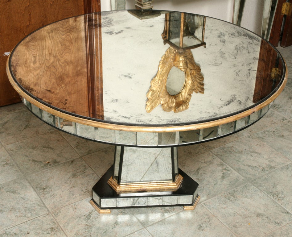 Superb Mirrored Centre Table Giltwood Edge with Black Trim For Sale 4