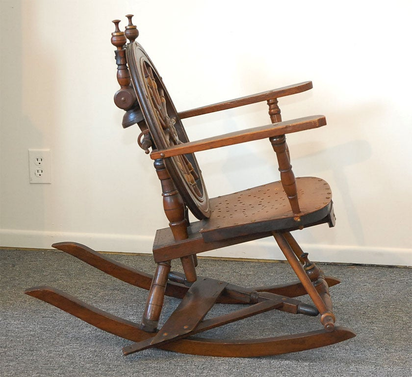19THC EARLY AND FOLKY SPINNING WHEEL CHAIR W/ MOTHER ON TOP at 1stdibs