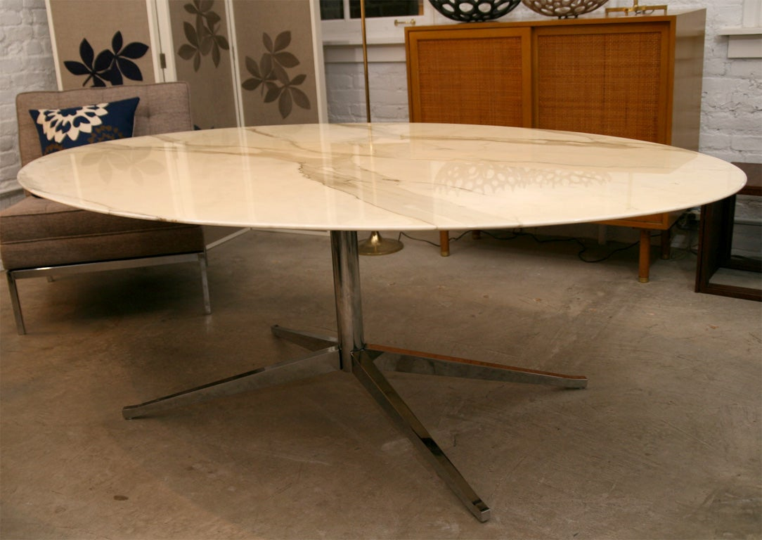 Florence knoll cream colored marble and chrome oval dining for Cream dining table