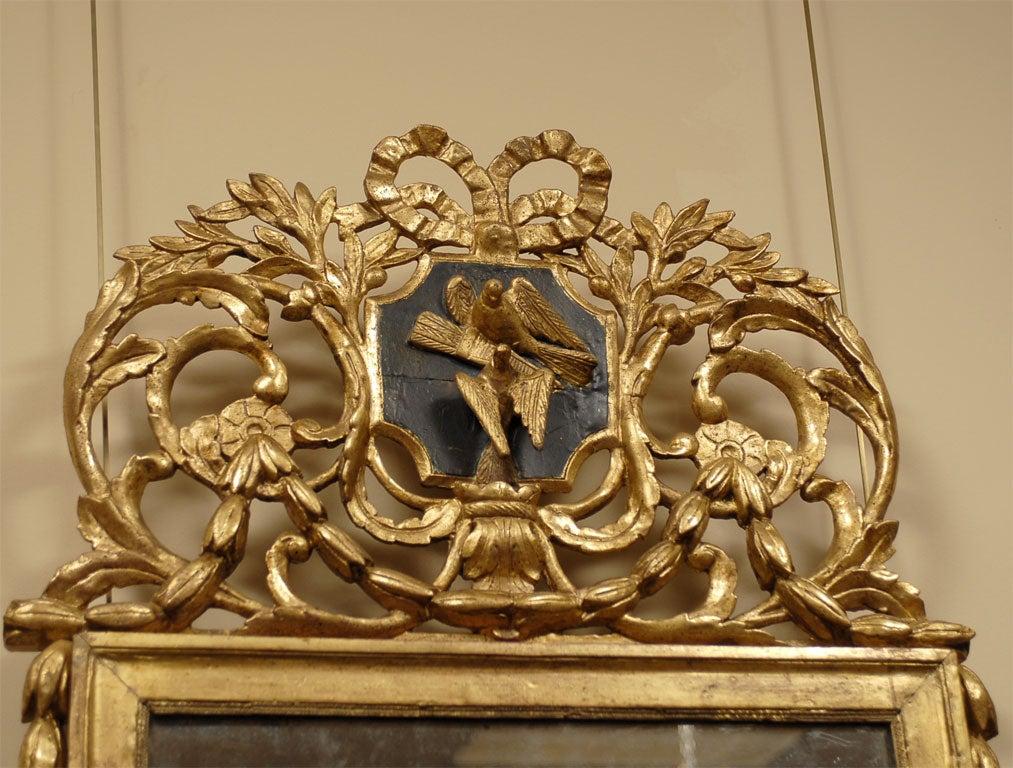 Louis XVI Period Gilt-wood Mirror with Crest, France c. 1780 4