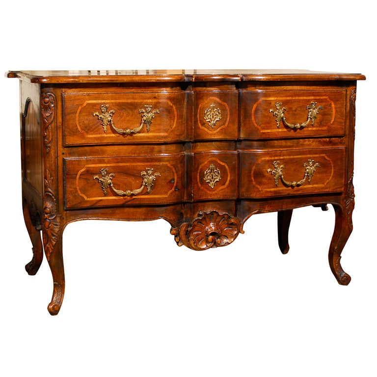 French 1750s Louis XV Period Walnut Commode en Arbalète in the Manner of Hache