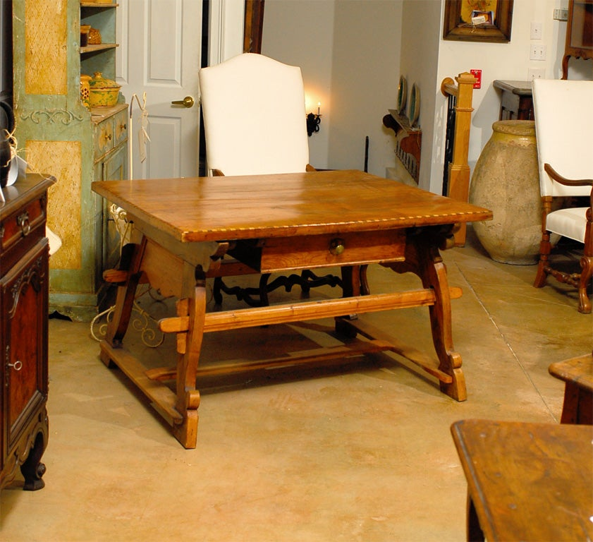 18th Century Tyrolean table desk with one drawer image 2