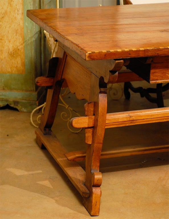 18th Century Tyrolean table desk with one drawer image 3