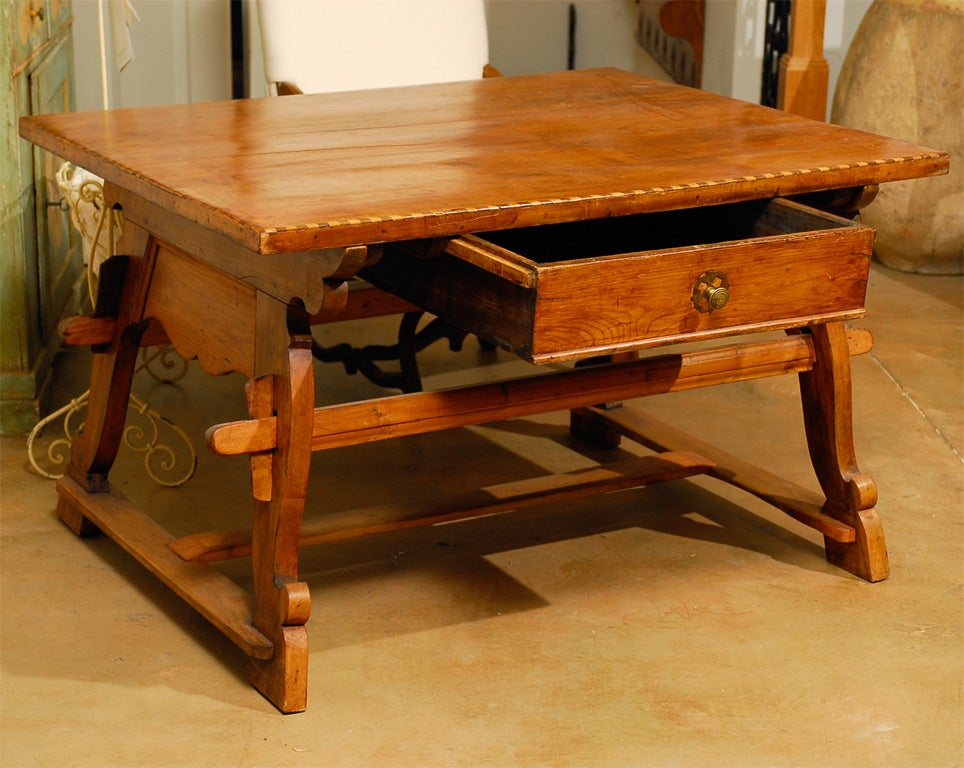 18th Century Tyrolean table desk with one drawer 8