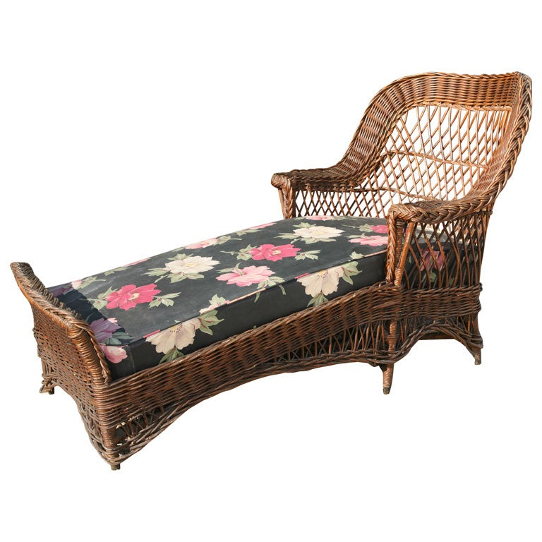 Bar harbor wicker chaise lounge at 1stdibs for Black wicker chaise lounge