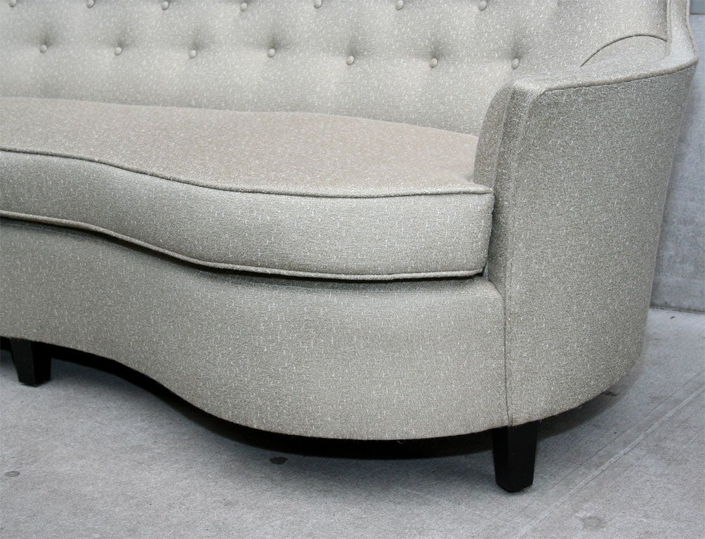 20th Century 1940u0027s Hollywood Button Back Sofa For Sale