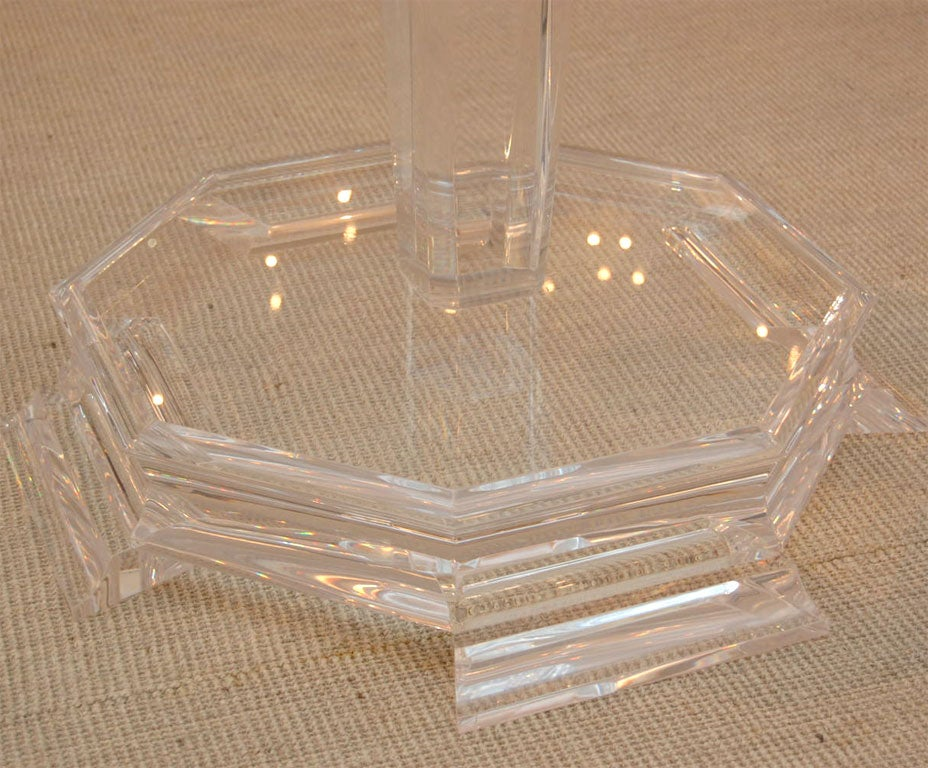 Round glass top table with lucite column base at 1stdibs - Table base for round glass top ...