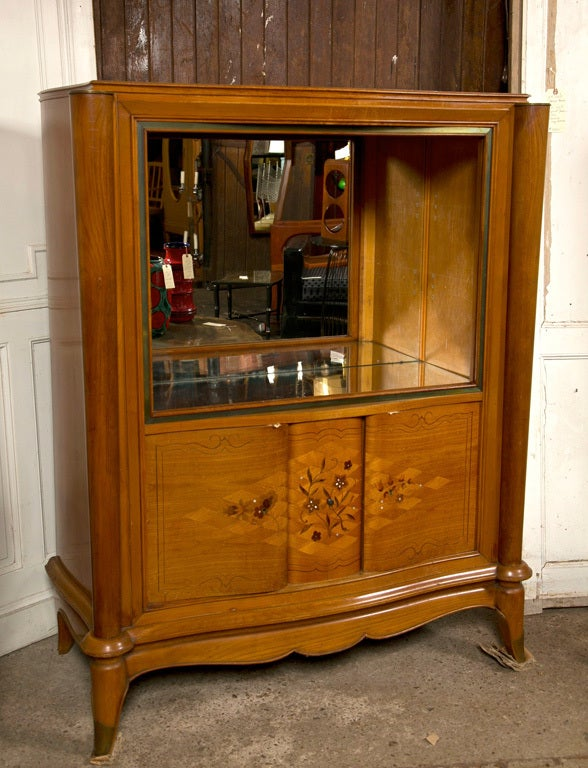 French Jules Leleu Style Satinwood Bar Cabinet In Excellent Condition For Sale In Stamford, CT