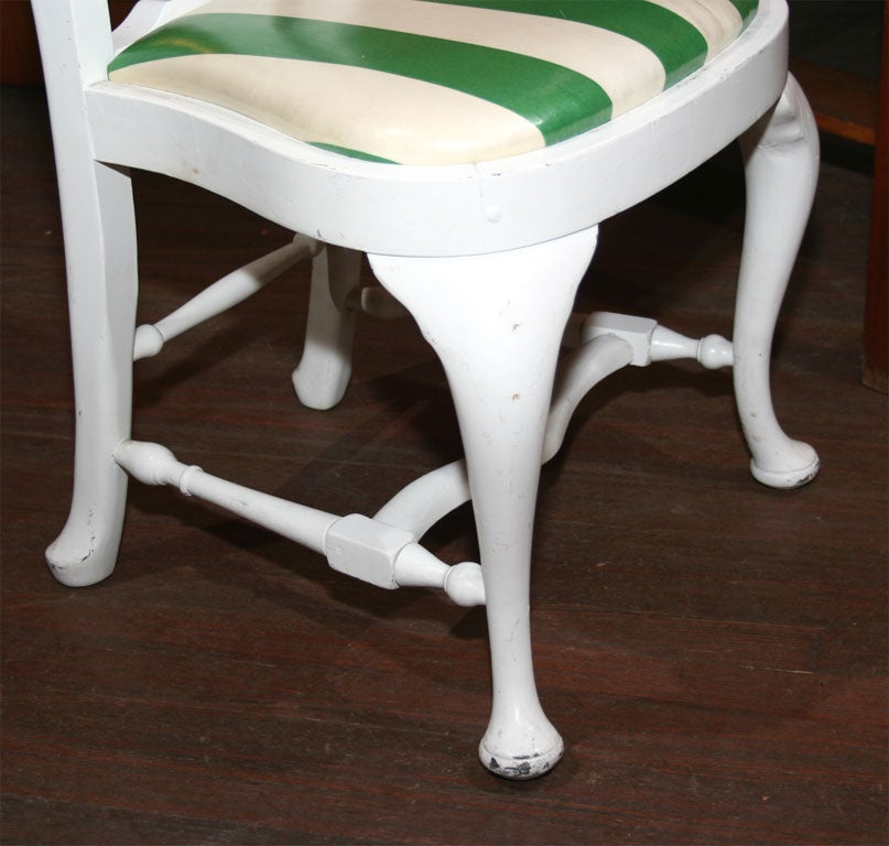 Set of Four Dorothy Draper Side Chairs In Good Condition For Sale In Stamford, CT