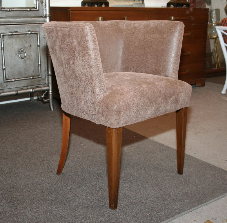Mid Century Tub Chair In Good Condition For Sale In New York, NY