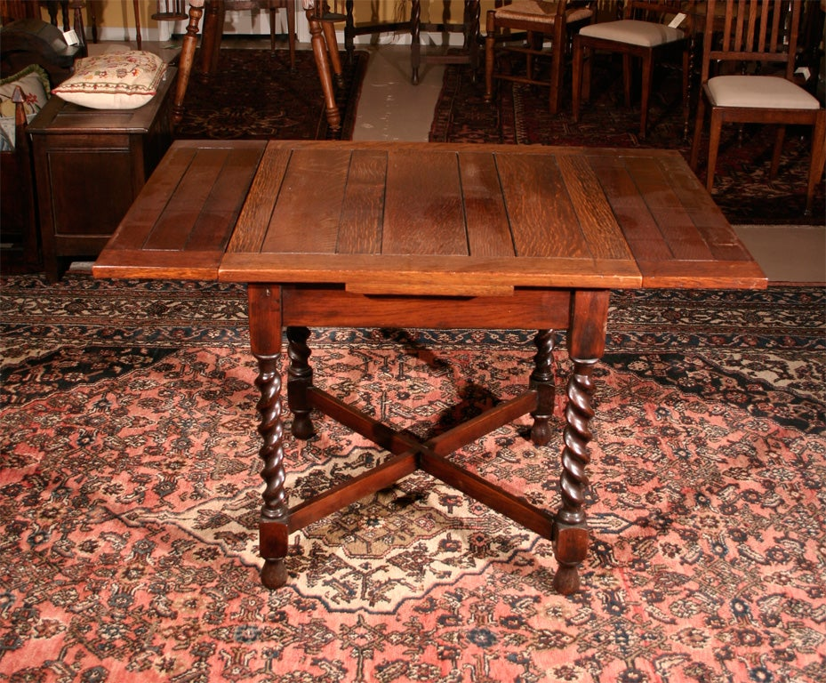 Petite oak barley twist pub table at 1stdibs for Table bar petit espace