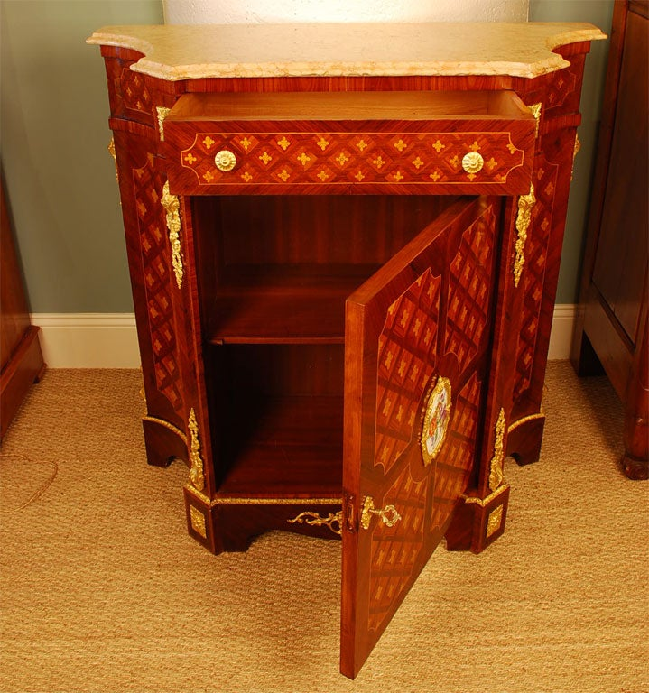 Louis XVI Style Cabinet with Marble Top and Porcelain Placque For Sale 1