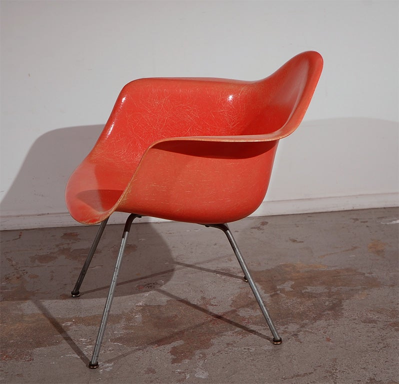 Pair of early charles eames lax lounge chairs at 1stdibs - Fauteuil eames original ...