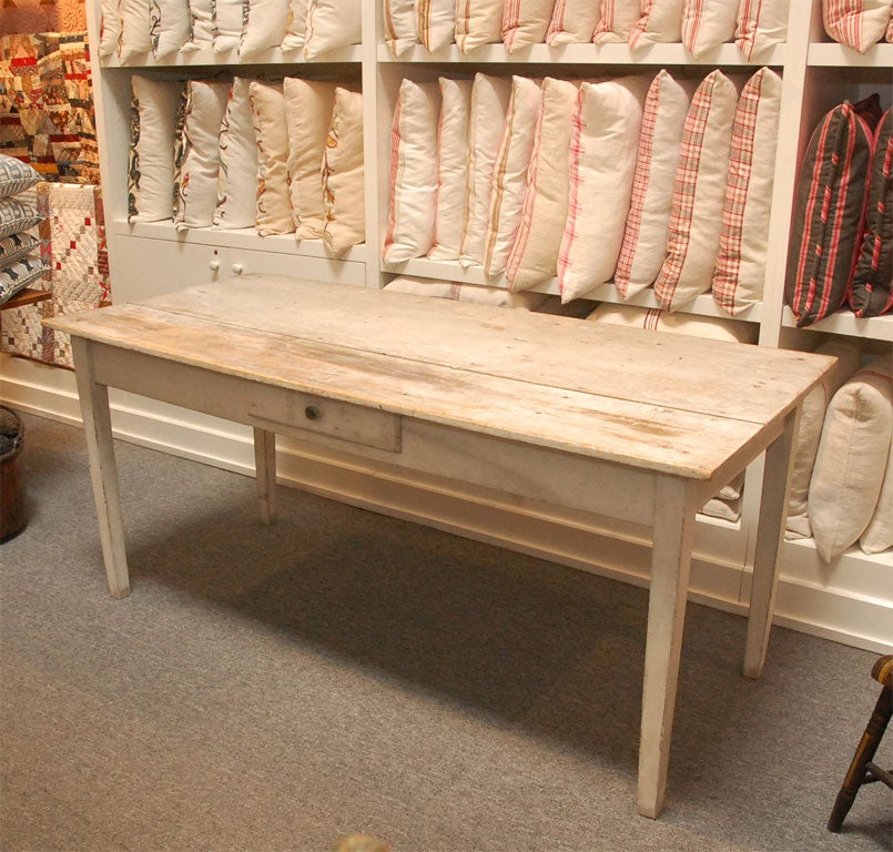 LATE 19THC ORIGINAL WHITE PAINTED  FARM TABLE FROM PENNSYLVANIA 3