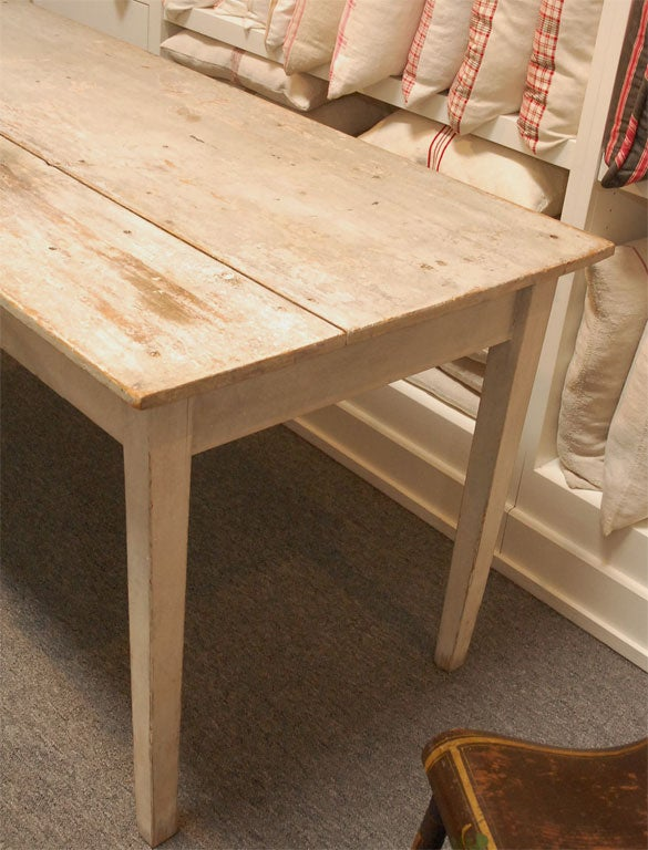 LATE 19THC ORIGINAL WHITE PAINTED  FARM TABLE FROM PENNSYLVANIA 8