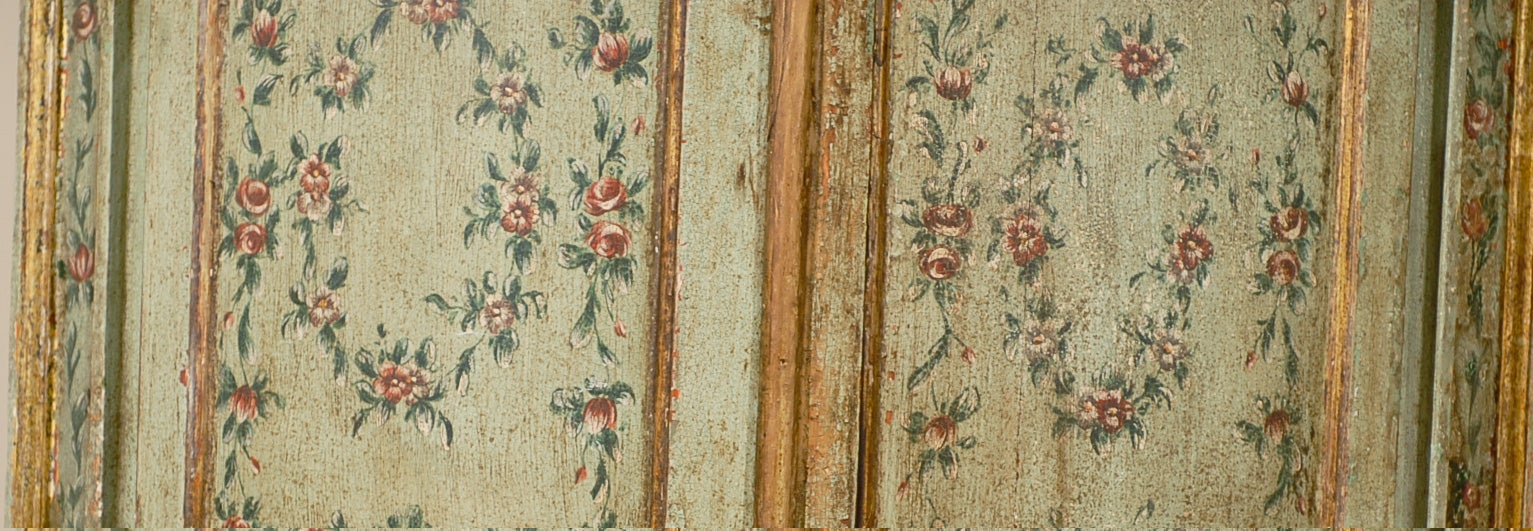 18th century Venetian Painted Corner Cabinet with bonnet top image 4