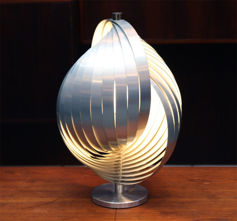 Amazing Verner Panton Moon Table Lamp 2