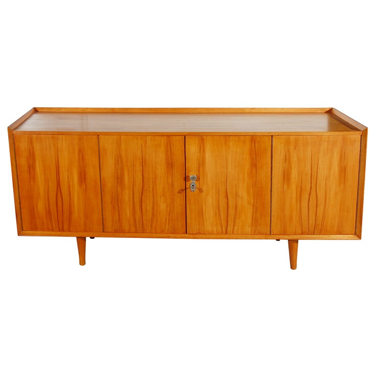 1950 39 s walnut credenza at 1stdibs for 1950 s credenza