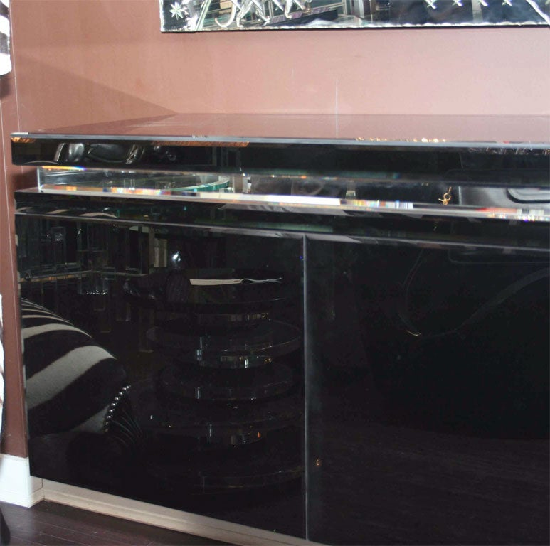 Custom Black Mirrored Cantalever Credenza In Excellent Condition For Sale In New York, NY
