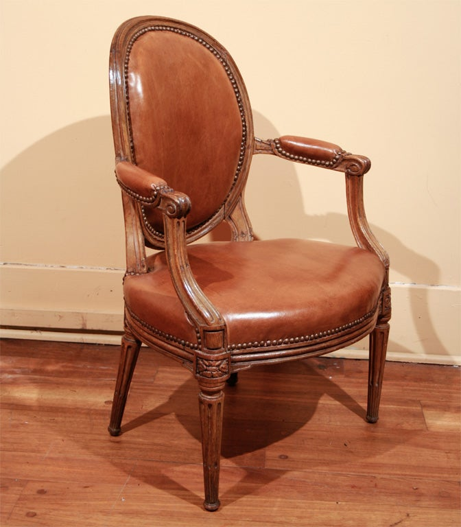 signed louis xvi walnut fauteuil circa 1756 at 1stdibs. Black Bedroom Furniture Sets. Home Design Ideas