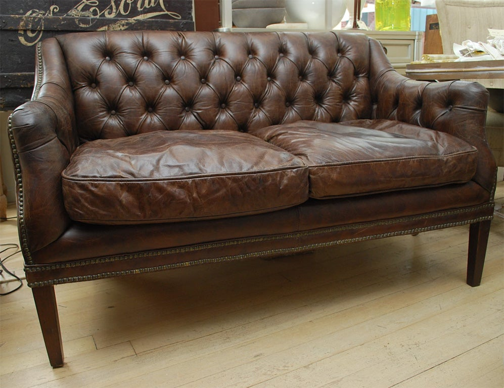 Tufted leather settee at 1stdibs for Small tufted sofa