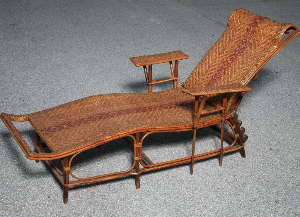 1920 39 s french rattan longue chaise at 1stdibs for Chaise longue rattan