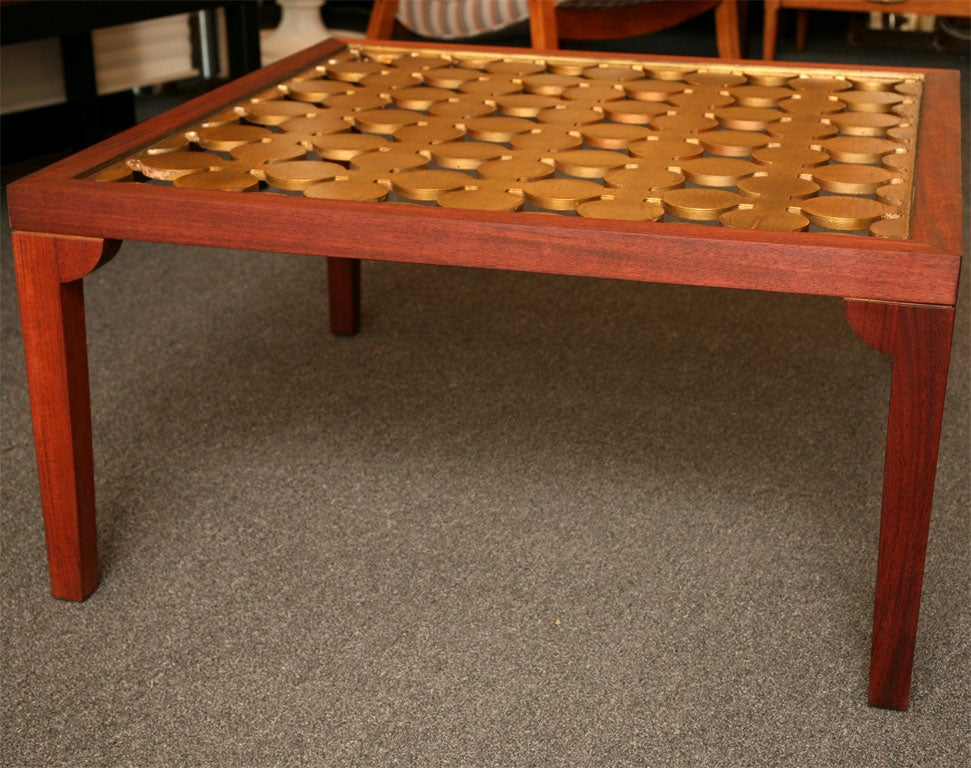 Hollywood Regency Parzinger Style Hollywood Regenc 1950s Mahogany and Giltwood Grille Coffee Table For Sale