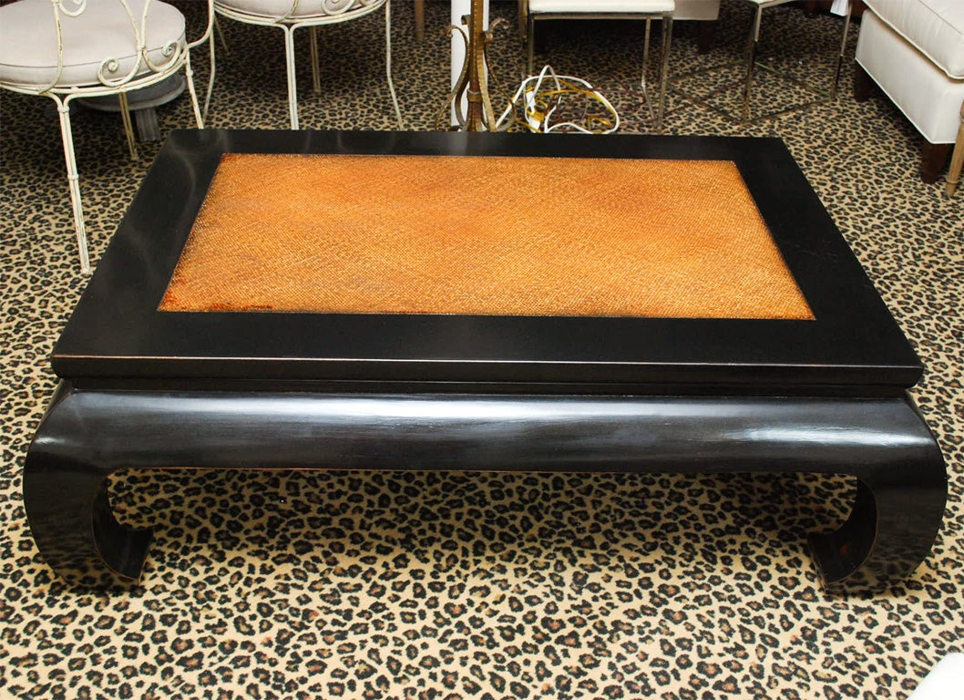 Beautiful Black Lacquered Coffee Table With Chow Leg 3