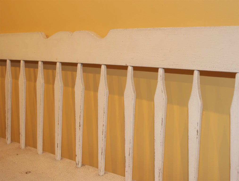19th-Century Settee In Old White Paint 5